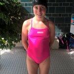 Elisa Bleimann schwimmt Bezirksaltersklassenrekord